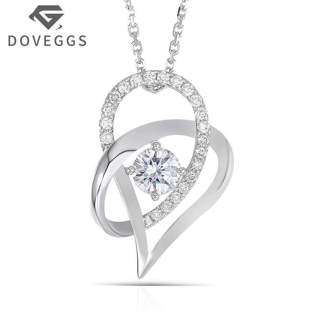 8c068a9cd5ee Compre DOVEGGS 18K Oro Blanco 750 5 MM Color Moissanite Redondo Brillante  Corazón En Forma De Collar Colgante Para Las Mujeres Envío Gratis A  459.54  Del ...