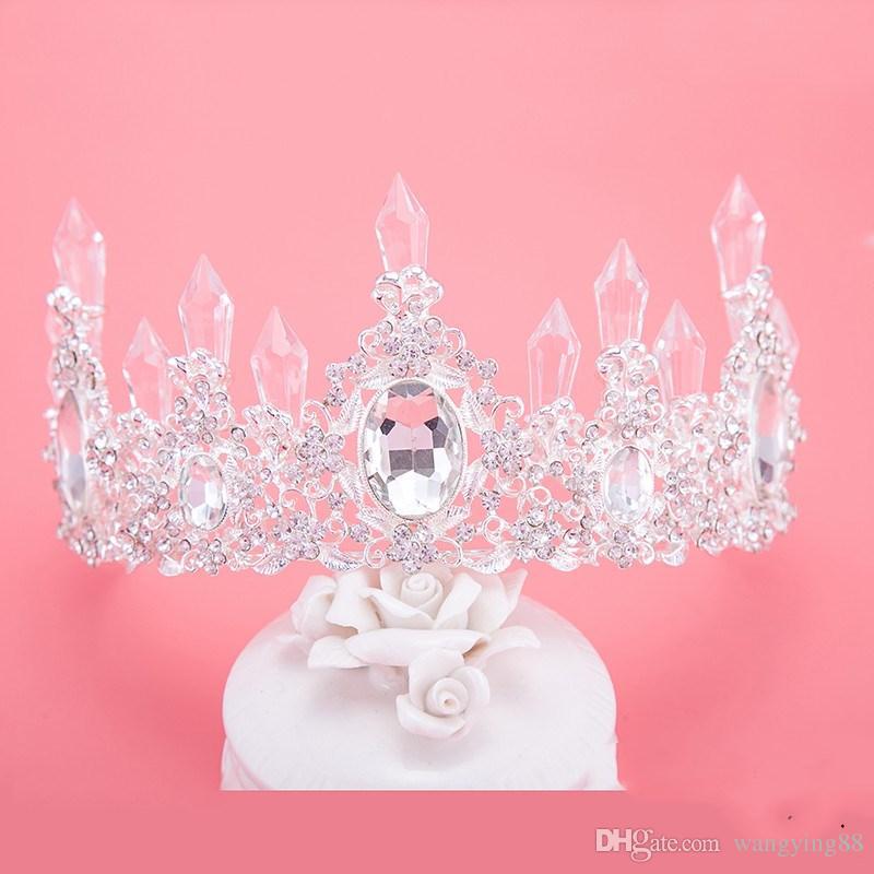2018 Ucuz Set Taçlar Kolye Küpe Alaşım Kristal Payetli Gelin Takı Aksesuarları Düğün Tiaras Headpieces Saç