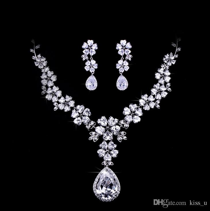 a38fa1d0cb5 Women's Wedding Jewelry Set Luxury Silver Color Zircon Flower Necklace  Earrings Set Girl Accessories Christmas Gift