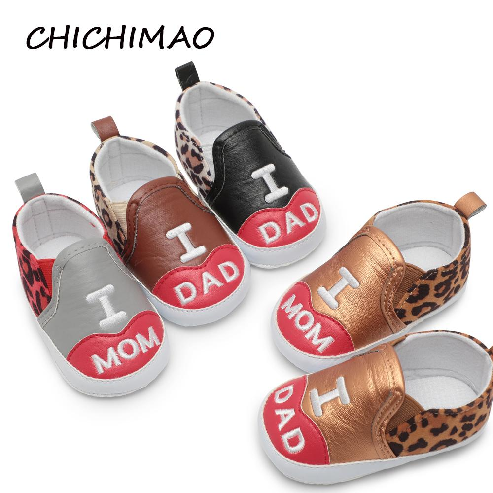 171ccd1ebf8e3 2019 LOVE MOM DAD Crib Shoe Baby Boy Toddler Girls Boys Shoes Infant First  Walkers Sneakers PU Leopard Print Elastic Band Shallow From Moongate, ...