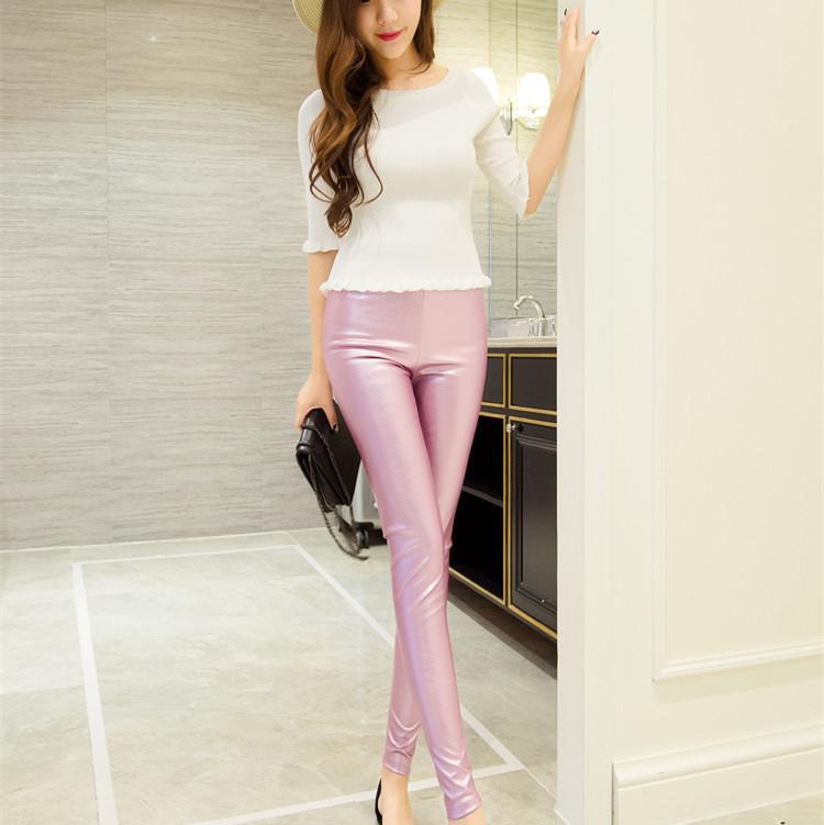 Ropa de mujer de otoño de primavera mediados de cintura apretada elástica pantalones de lápiz de imitación de cuero Pantalones de cuero de moda de mujer casual delgada flaco