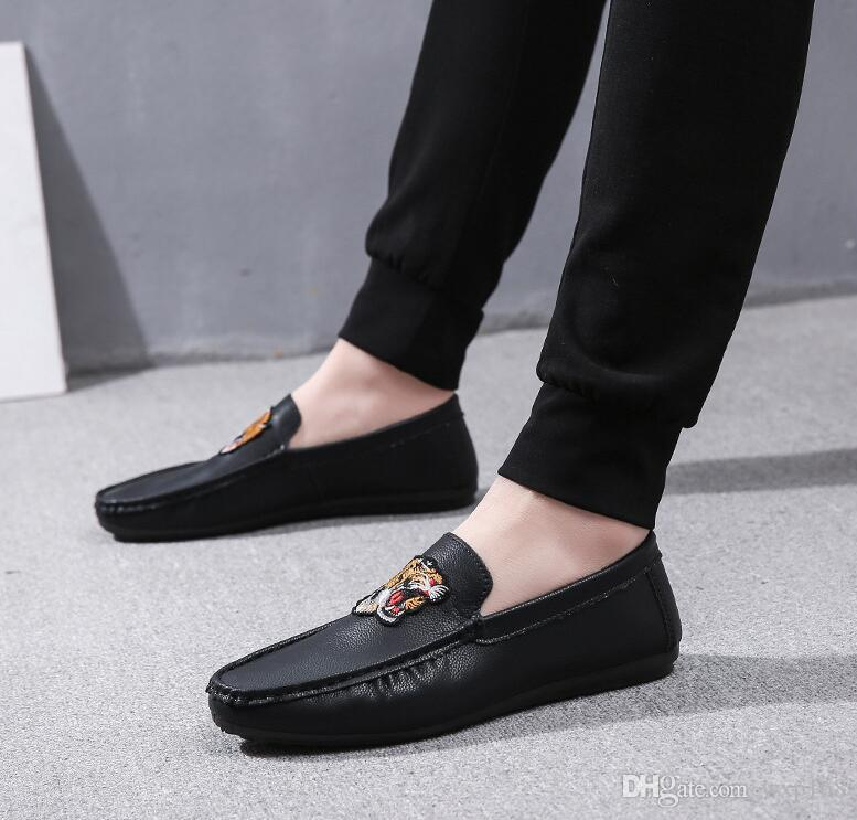 d0c50c05df8 Spring New Embroidered Shoes Men S Driving Loafers PU Leather Single Flats  A Pedal Lazy Shoes Casual Breathable Retro Boat Shoes Men Sneakers Online  Deck ...