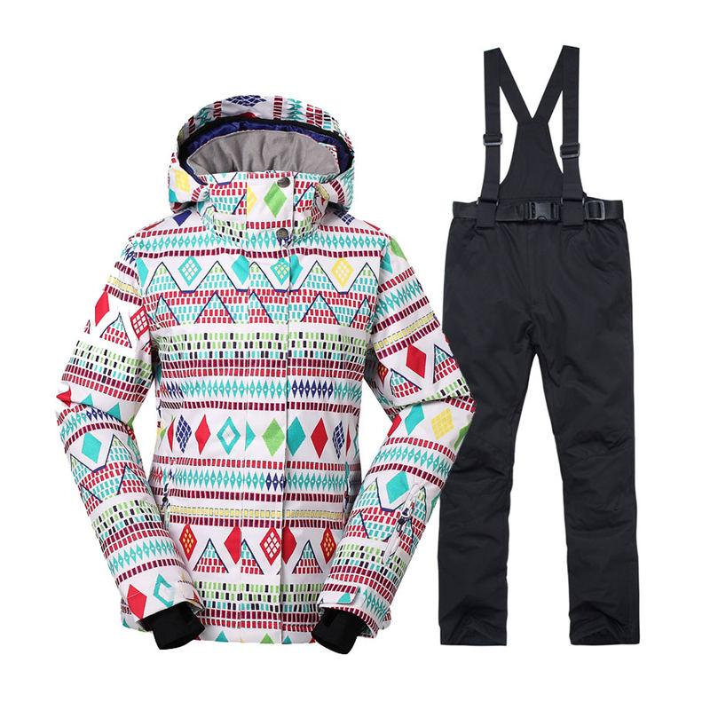 340d2a98b0ab 2019 Cheap Women S Snow Suit Outdoor Sports Wear Snowboarding Sets  Waterproof Windproof Breathable Skiing Jackets And Bib Snow Pants From  Peachguo