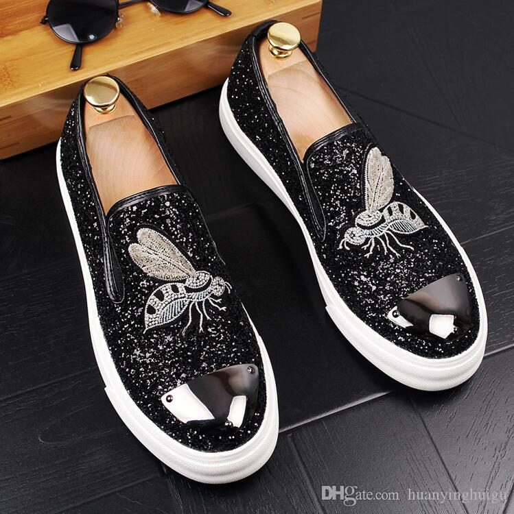 2018 Hot style Men set foot embroidery loafers stylist recreational leather shoes Slip-On Men 's Flats Loafers Male Wedding dress Shoes N40