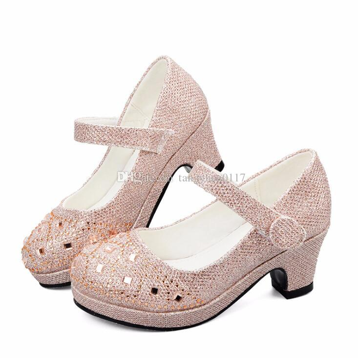 1bdf68f8347d8 Acheter 2018 Mode Enfants Princesse Chaussures Pour Filles Sandales À Talons  Haut Glitter Brillant Strass Enfants Fille Femme Robe Habillée Parti De   21.39 ...