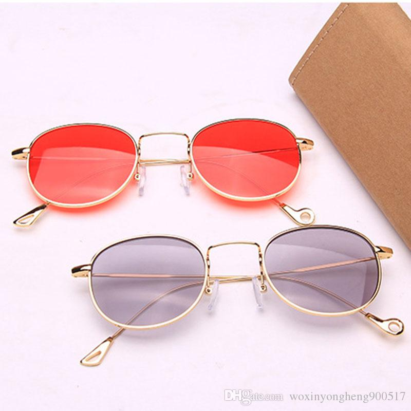 b72f64759c6f3 Compre Óculos De Sol De Luxo Pequenos Óculos De Sol Ovais Para As Mulheres  Óculos Retro Vermelho Óculos Vintage Moldura De Metal Ouro Espelho Óculos  De Sol ...