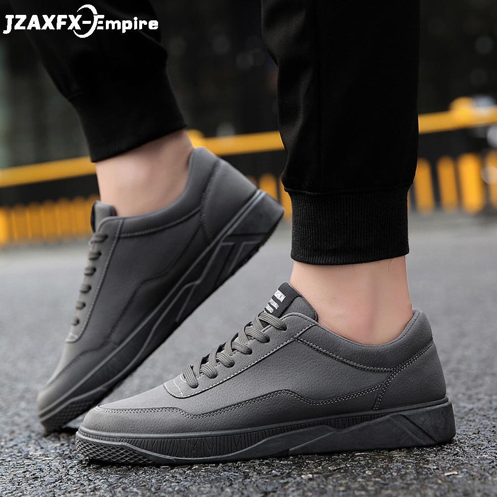 f4c6554a Compre Nueva Llegada De Los Hombres Zapato Casual Con Cordones Sólido Plana  Calzado Cómodo Para Hombre De Calidad Superior Tenis Masculino Adulto  Zapatos De ...