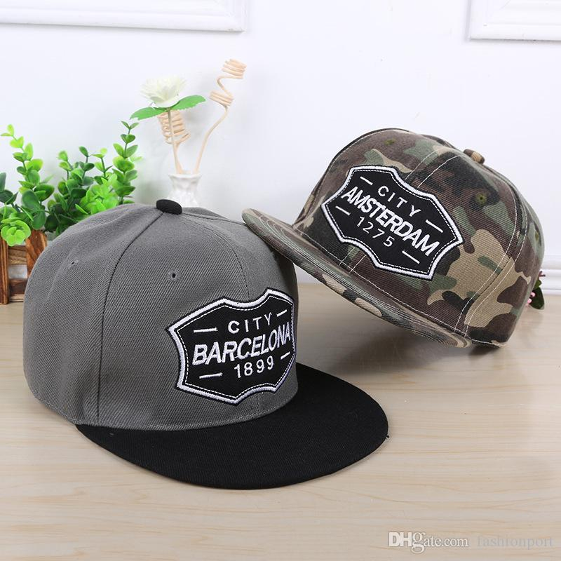 BARCELONA Embroidery Flat Bill Hip Hop Caps Fashion Patterns Baseball Hats  Glitter Jazz Gorras For Men Women Lovers Fitted Design Your Own Hat Make  Your Own ... 4c842926bb6