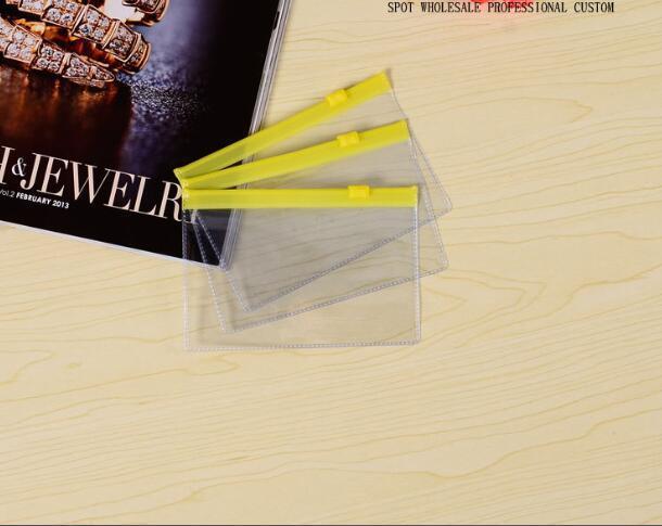O saco do lápis dos sacos de arquivo do plástico A4 A5 A6 A8 do PVC com os sacos do arquivo da transparência do zíper pode personalizar imprima seus teste padrão e tamanho do projeto por atacado.