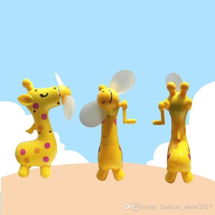 الصيف المحمولة البسيطة رذاذ الغزلان ناحية الضغط مروحة كهربائية للأطفال في الهواء الطلق لوازم أدوات الصيف بارد