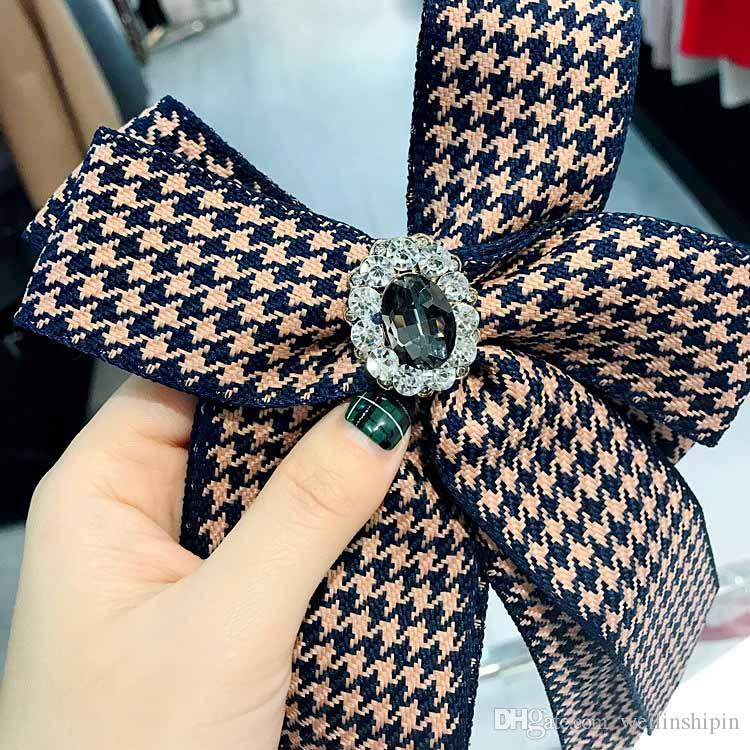 2493b667db8 2019 Fabric Bow Brooches For Women Necktie Style Brooch Pin Wedding Dress  Shirt Brooch Pin Handmade Accessories Good Gift 028 From Weilinshipin