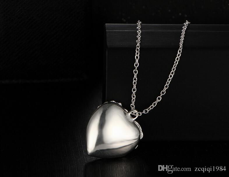 حار بيع شكل قلب قلادة قلادة المعلقات مضيئة في الظلام الجوف خارج نوع القلب الوهج المعلقات قلادة للنساء