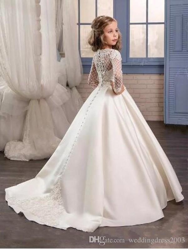 Weinlese-Blumen-Mädchen-Kleider für Hochzeiten ausgebogte Ausschnitt A-Linie mit langen Ärmeln hübsche Spitze Appliqued Elfenbein-Satin-2018 Brautkleid