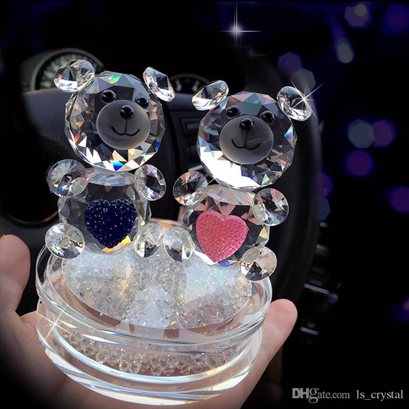 2019 Fashion Crystal Bear Figurines With The Rhinestone Base Glass Couple Of Heart Bear For Wedding Gift Novel Ornament DEC124 From Ls_crystal, ...