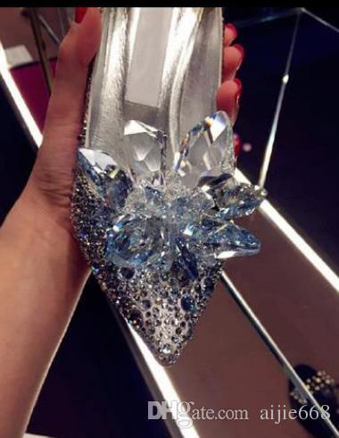 2018 neue Mode Frauen Bestnote Aschenputtel Kristall Schuhe Braut Strass Hochzeit Schuhe mit Blume aus echtem Leder Big Small Größe 33 bis 40