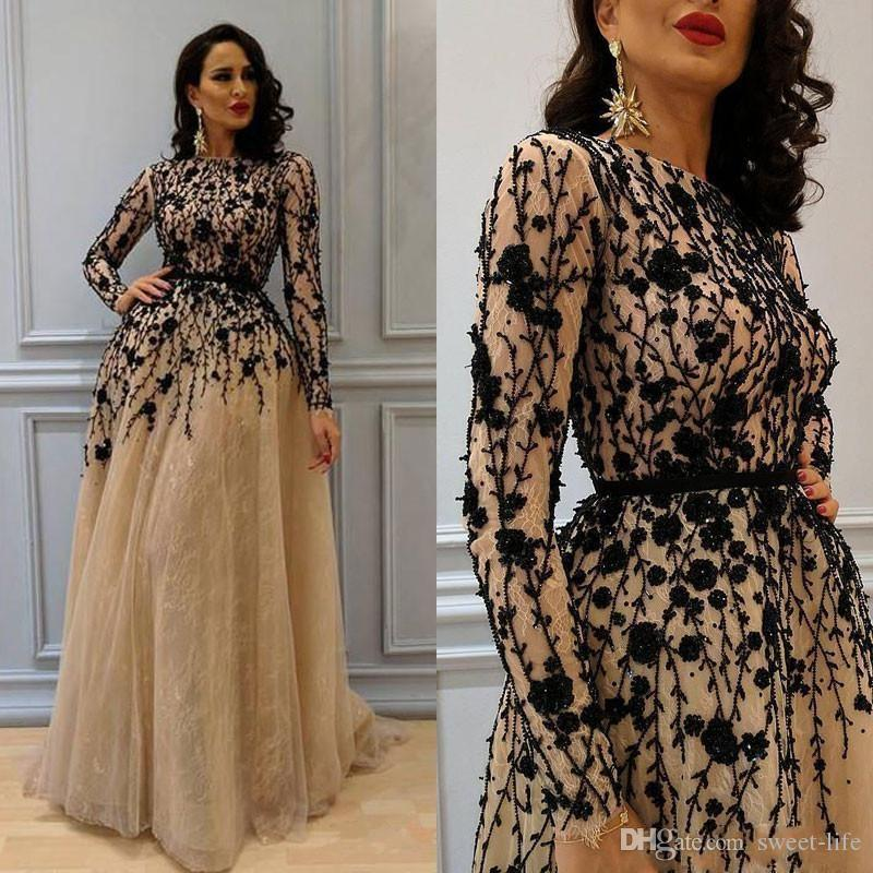 2018 Gorgeous Beading Prom Gown with Long Sleeves Lace Crew Neckline Evening Dresses Champagne Elegant Womens Dress Plus Size Formal Wear