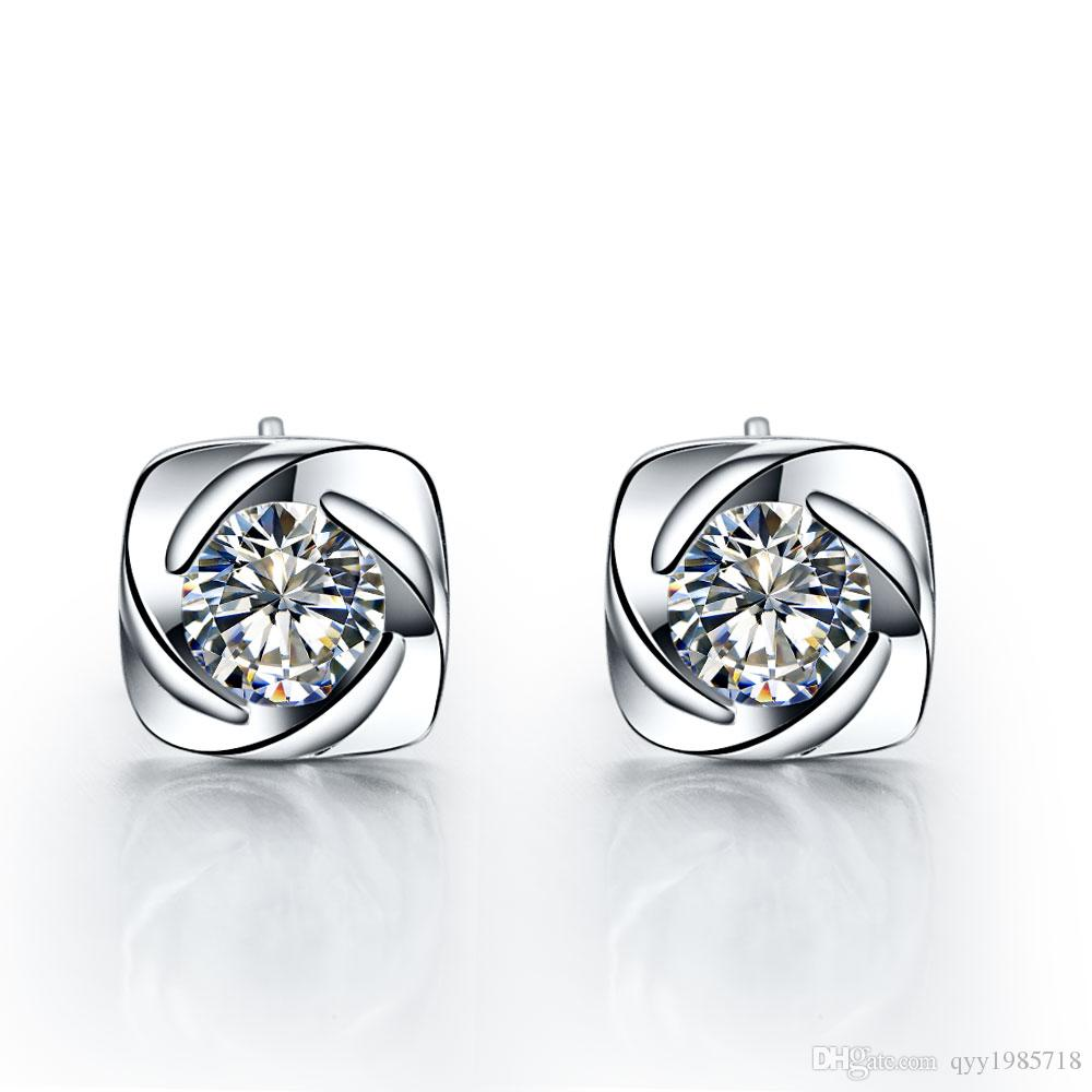 Fantezi 0.3Ct / adet Sentetik Diamonds Damızlık Küpe Kadınlar için 925 Ayar Gümüş Küpe Damızlık Nişan Küpe Takı Damızlık