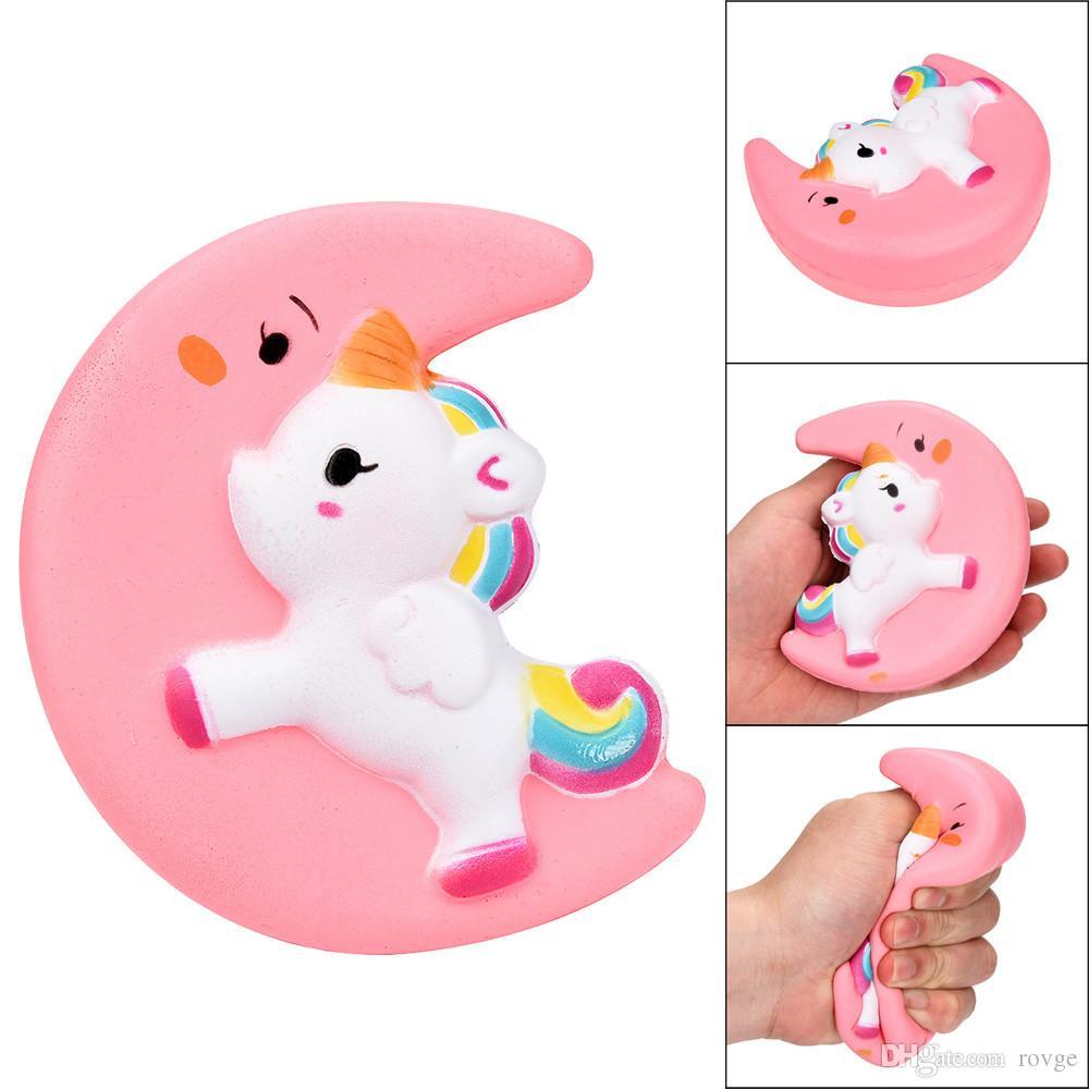2018 linda simulación de unicornio rosa / amarillo PU lenta luna de rebote Pegasus juguete de dibujos animados Unicornio descompresión de pan juguetes