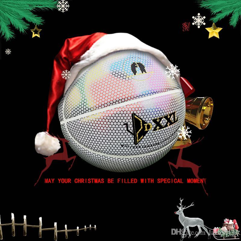 Neuer DXXL 4. holografischer leuchtender Basketballregenbogen reflektieren hellen weißen Basketballball PU-Leder Innen-Basketball im Freien Größe 7
