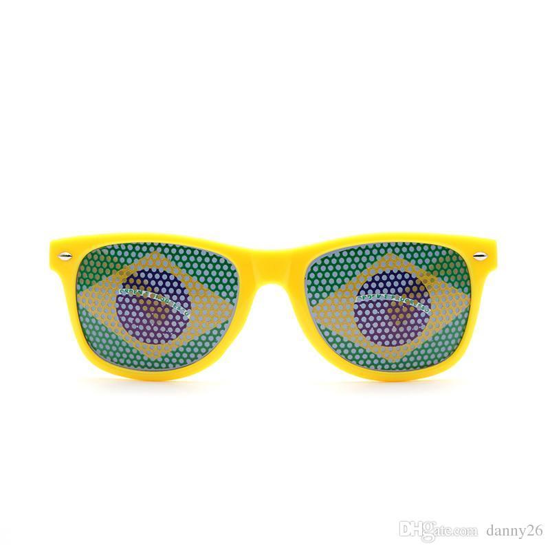 2bd4b9eaf1916 Compre Copa Do Mundo De Óculos Trajes Cosplay Acessórios Bandeira Nacional  Eyewear Drink Up Óculos De Sol Bar Fãs De Festa Óculos De Sol De Danny26,  ...