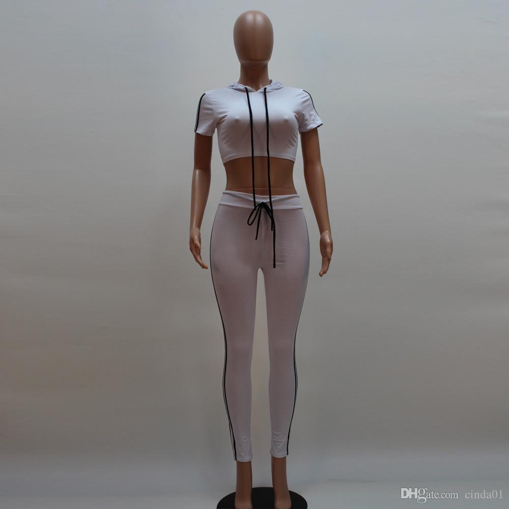 Сексуальные женщины полосатые спортивные костюмы женщины с коротким рукавом с капюшоном растениеводство топ узкие брюки 2 шт. Набор повседневный костюм для ночного клуба