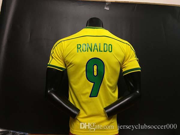 Compre TOPO 1998 Brasil Camisas De Futebol Em Casa 2002 Brasil Retro Camisas  Clássicas Carlos Romário Ronaldo Ronaldinho Jersey Camisa De Futebol 1994  De ... df58c44312ebb