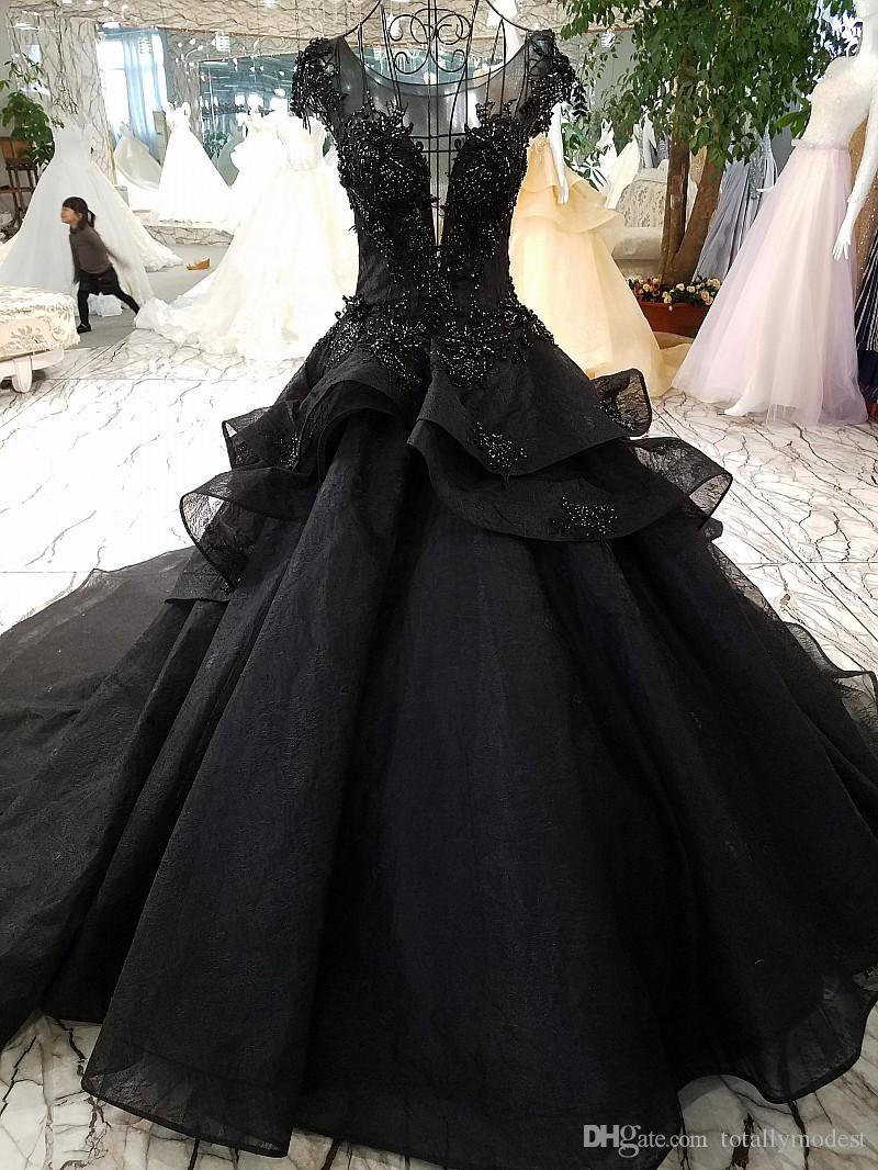 New Arrival Luxury Ball Gown Black Wedding Dresses 2020 Gothic Court Vintage Non White Bridal Gowns Pricness Long Train Beaded Cap Sleeves