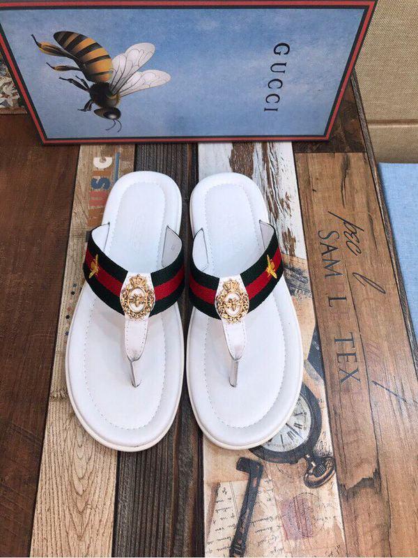 Compre 2018 Nuevas Chanclas Blancas 207566 Hombres Zapatillas Zapatillas  Conductores Sandalias Zapatillas Zapatillas De Cuero A  100.51 Del  Cc94bb521aa ... e0caa4635f6