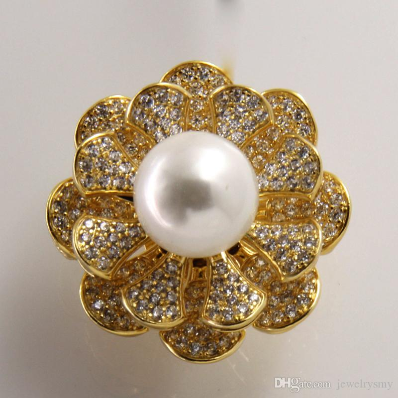 2017 new popular white beaded flower shaped brooch copper zircon gold and silver female brooch support wholesale