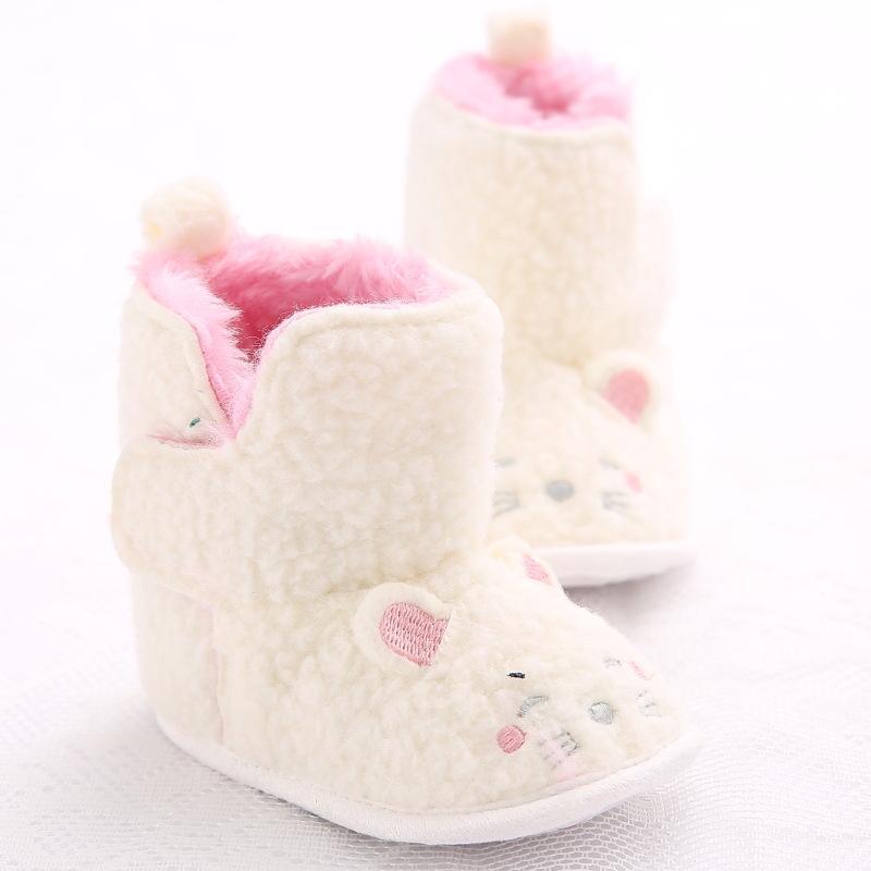 022938a3cc2cc 2019 Baby Boys Girls Boots Kids First Walker Cartoon Cat White Winter Warm  Infant Toddler Newborn Crib Babe Shoes Booties Prewalkers From Henryk