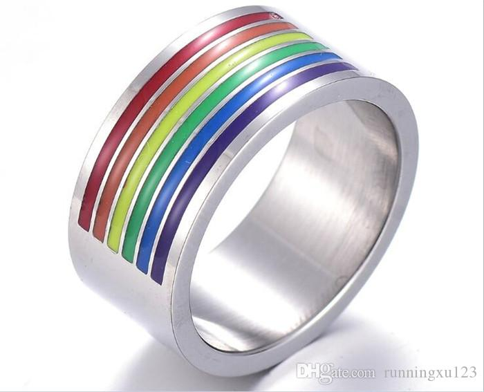 Кольцо на пальце гей