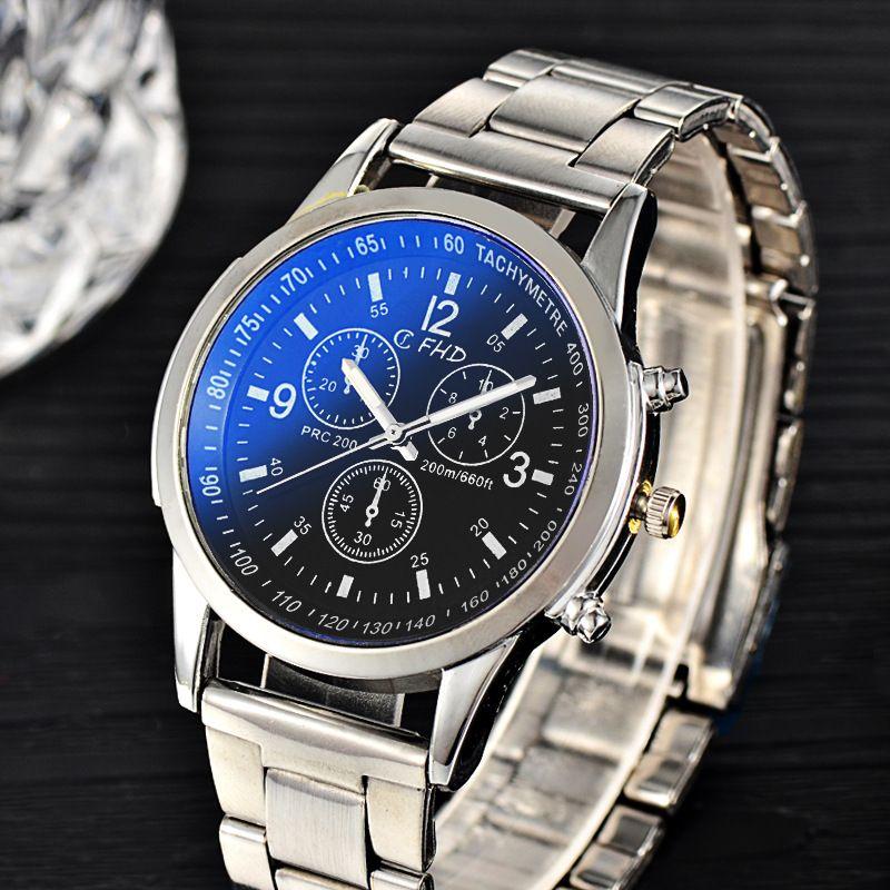 Hot Sale 2017 New Fashion Blu-ray Blu-ray alloy steel belt men's luxury watches quartz watch single folding buckle