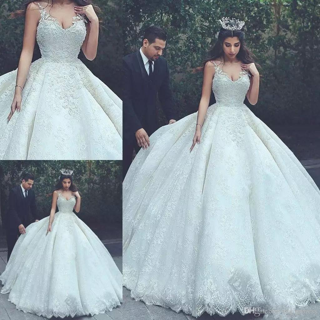 Vintage Ball Gown Wedding Dresses V Neck Lace Applique Princess ...