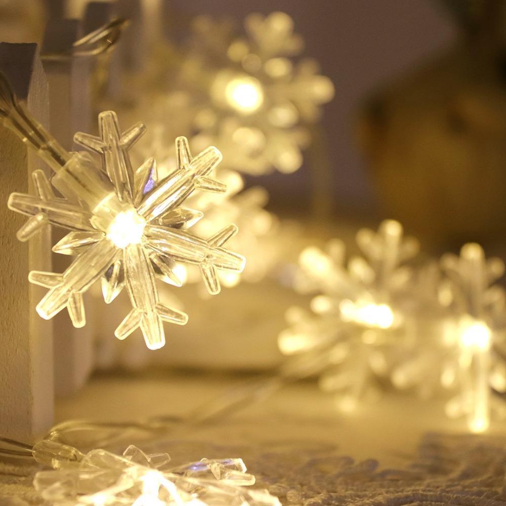 e40ad298c1 Compre Guirlanda De Natal LEVOU Luz Do Feriado Natal Corda Luz 10 Floco De  Neve Fada Presente Lanternas Festa De Casamento Quarto Decoração HQ De ...