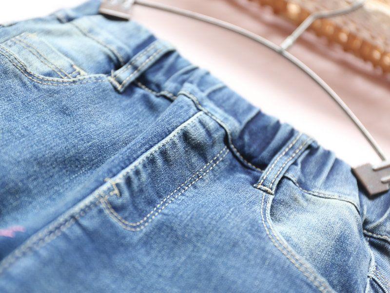 Niños niñas invierno pantalones vaqueros del dril de algodón azul patrón de conejo de dibujos animados de lana pantalones gruesos niños pantalones calientes ropa casual de la muchacha