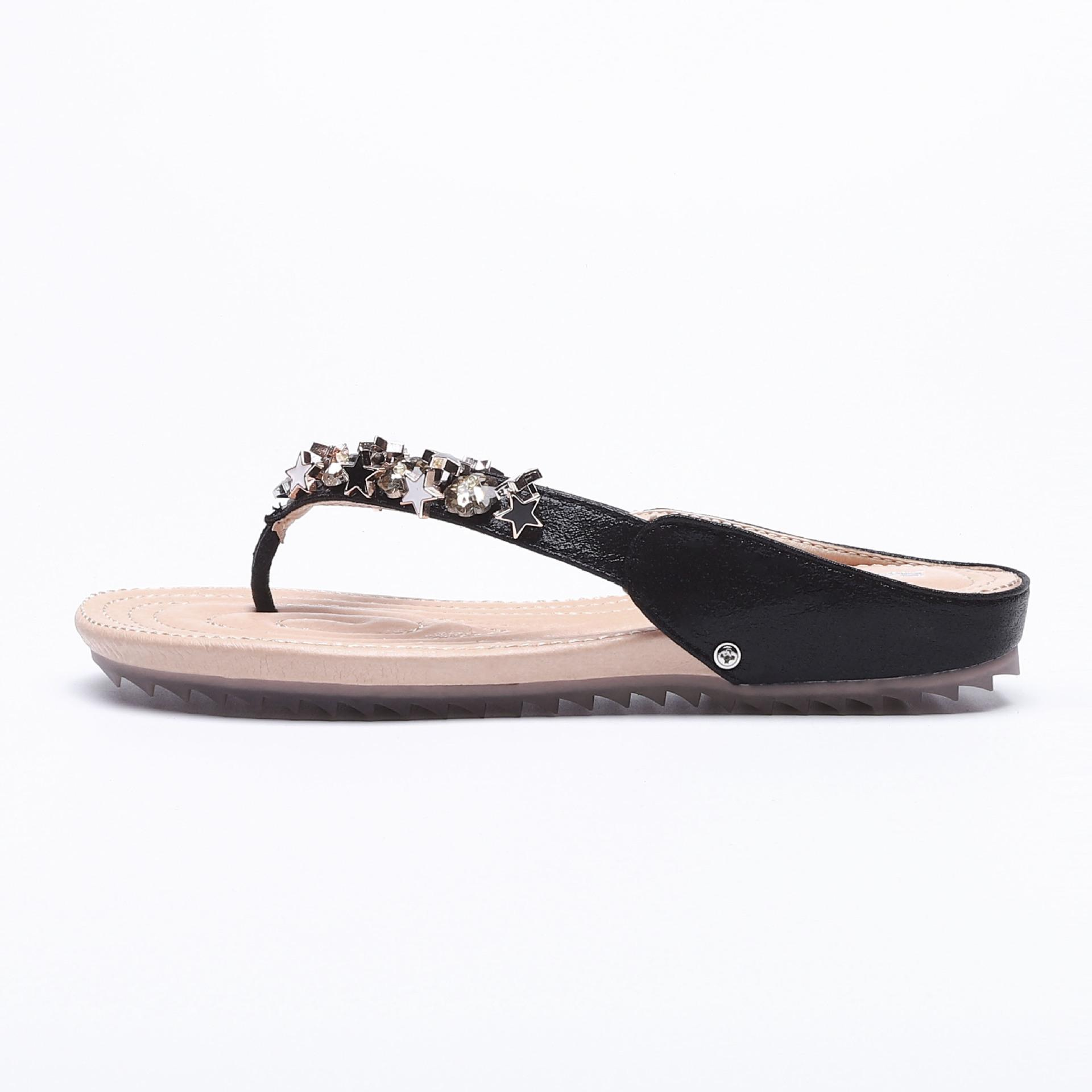 ffe887378189 Casual Print Fashion Outside Women Slippers Open Toe Summer Concise Flat  Flip Flops Crystal Rivet Metal Decoration Women Shoes Online with   63.72 Piece on ...
