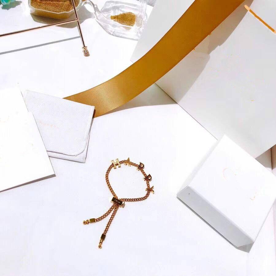 Vananya новый дизайнер бренд браслет для женщины старинные счастливые письма ювелирные изделия подарки браслет медь ретро леди браслеты высокое качество