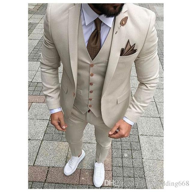 не модные Groom Смокинги Handsome костюмы Groomsmen бежевые Fit Лучший костюм человека Обручальные / Мужские костюмы куртка Жених + брюки + жилет + галстук NO: 38