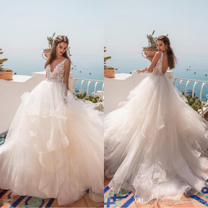 2019 Cheap Cascading Ruffles Designer Ball Gown Wedding Dresses V