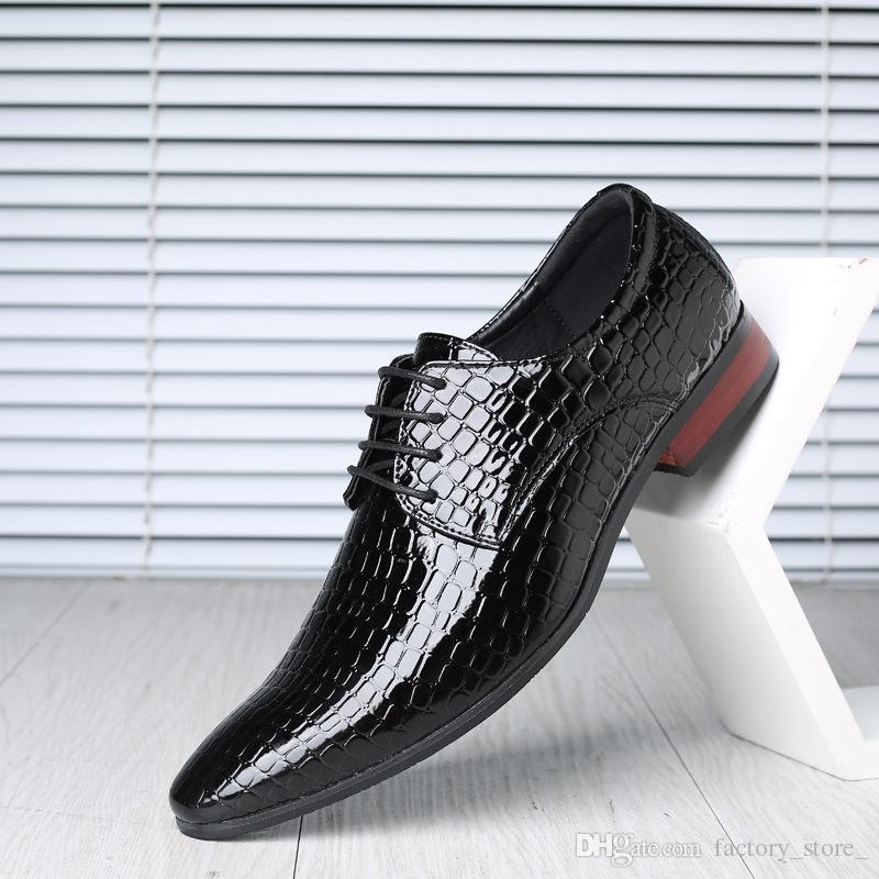 Designer Crocodile Shoes Men Oxford Italian Brand Formal Shoes Men Patent Leather  Office Shoes Men Sapato Masculino Zapatos Hombre Vestir Leather Shoes For  ... adb54239abd8