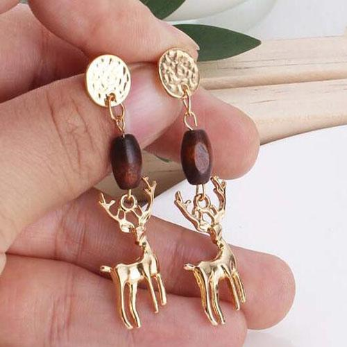 Vintage Wooden Beads Deer Earrings For Women Fashion Gold Color 3D Animal Drop Earring Christmas Jewelry Party Gifts