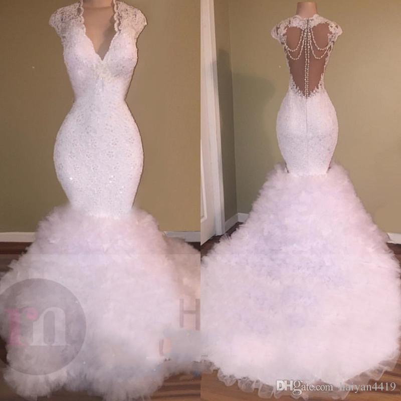 2020 Nova Sereia Vestidos de Baile Branco V Neck Lace Apliques de Cristal Frisado Backless Sweep Trem Tule Inchado Tiered Prom Evening Vestidos Vestidos