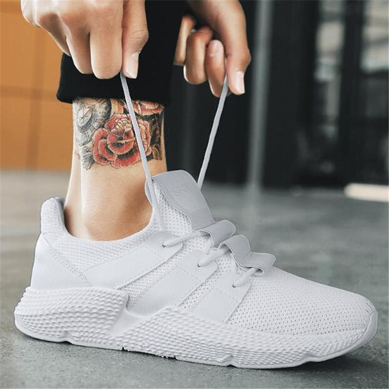 Compre Verão Branco Calçados Esportivos Homens Voando Tecer Tênis De  Corrida Ao Ar Livre Respirável Anti Skid Sneakers Para Homens Caminhando  Jogging De ... 88c21fe17440e
