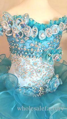 Encantador Organza Cuello en V Mini Glitz Vestidos para niñas Vestidos de diamantes de imitación con cuentas Pipe Cupcake Hunter Blanco Little Flower Girl Vestidos BA3754