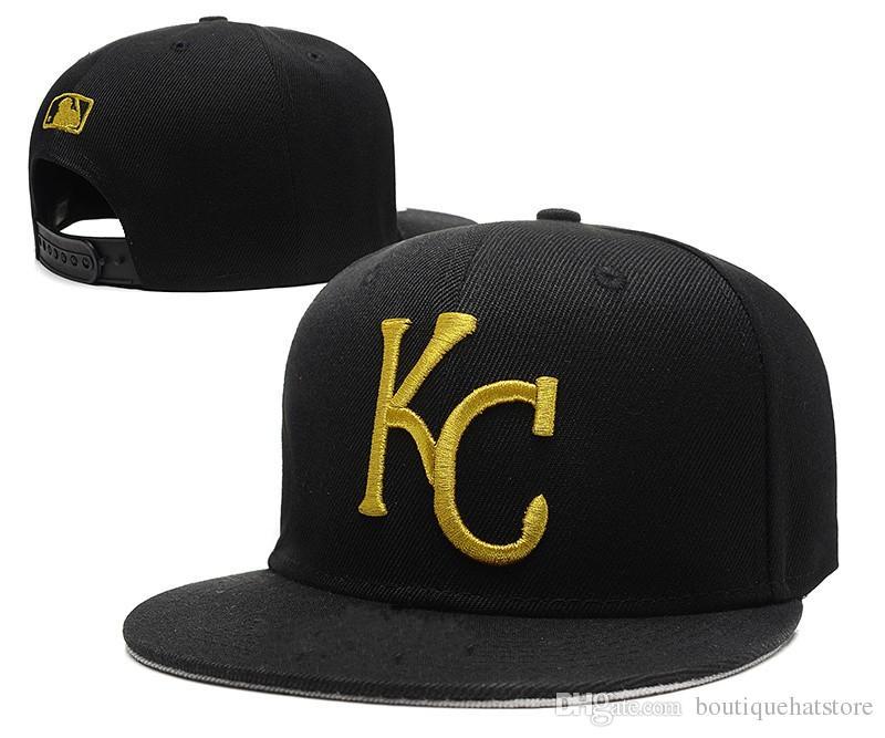 Compre Una Pieza De Moda Royals Snapback Sombreros En Color Negro Clásico  Bordado Letra KC Bones Deportes Béisbol Béisbol Gorras Planas Para Hombres  Mujeres ... 073dbbc4aa6