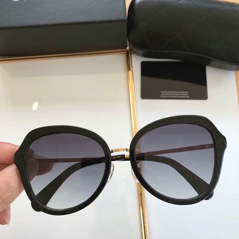 83429a2e0 Compre Mais Novo 2019 Clássico Marca Designer De Luxo Óculos De Sol Das  Mulheres Dos Homens Retro Rodada Óculos De Sol Mulher Máscaras Lady's  Eyewear Lady ...