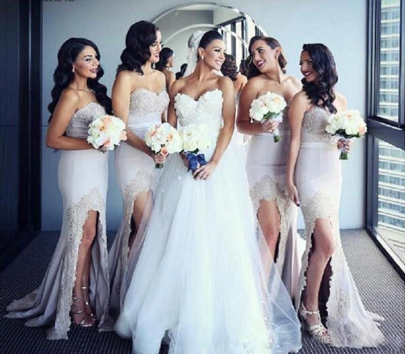 Werbe Split Lange Brautjungfernkleider 2020 Sexy SpitzeApplique Abendkleider Rückseite Reißverschluss Wedding Gast-Kleid-Partei-Kleider China Online