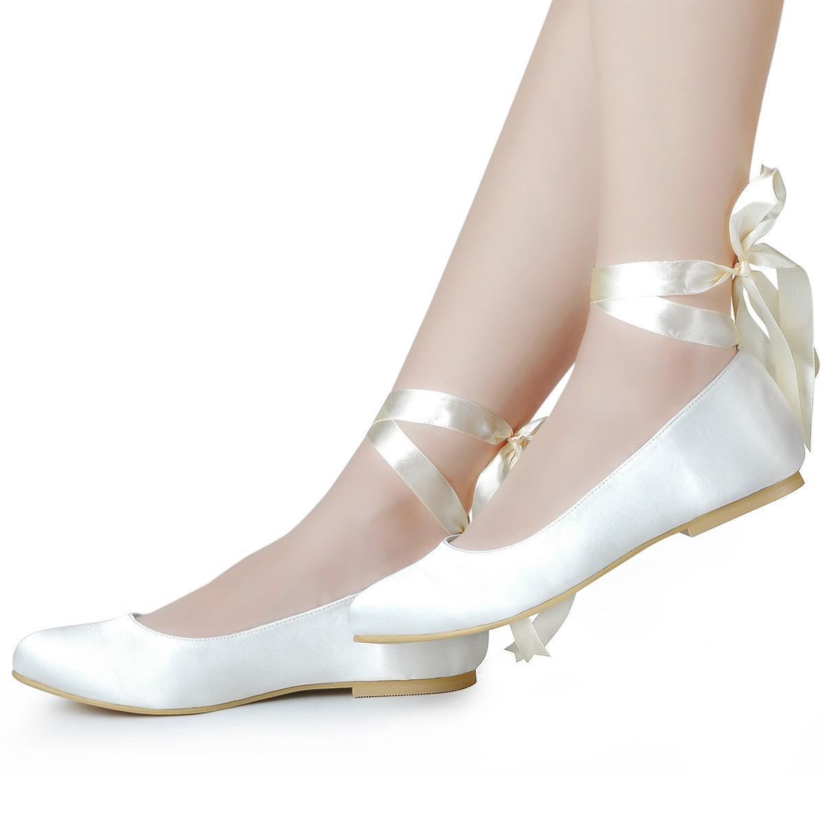 89ade396e5 Compre Zapatos Planos Para Mujer Hechos A Mano, Cintas De Raso Blancas  Simples, Zapatos De Boda Con Patas, Zapatos Planos Y Grandes.
