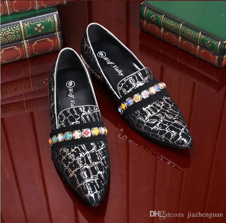 2017 Yeni stil İtalyan Lüks Timsah Tarzı Elmas Rhinestones Çivili Loafer'lar Perçinler ayakkabı Erkek Tasarımcı Düğün Parti Ayakkabı M453