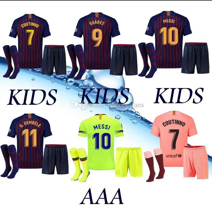 9047b03f90e Acquista Top Barcelona 2018 Messi Suarez Maglia Da Calcio Bambini 2019  Camisas Blue Dembele Messi Maglia Da Calcio Casa Iniesta 18 19 Kit Bambini  A $13.76 ...